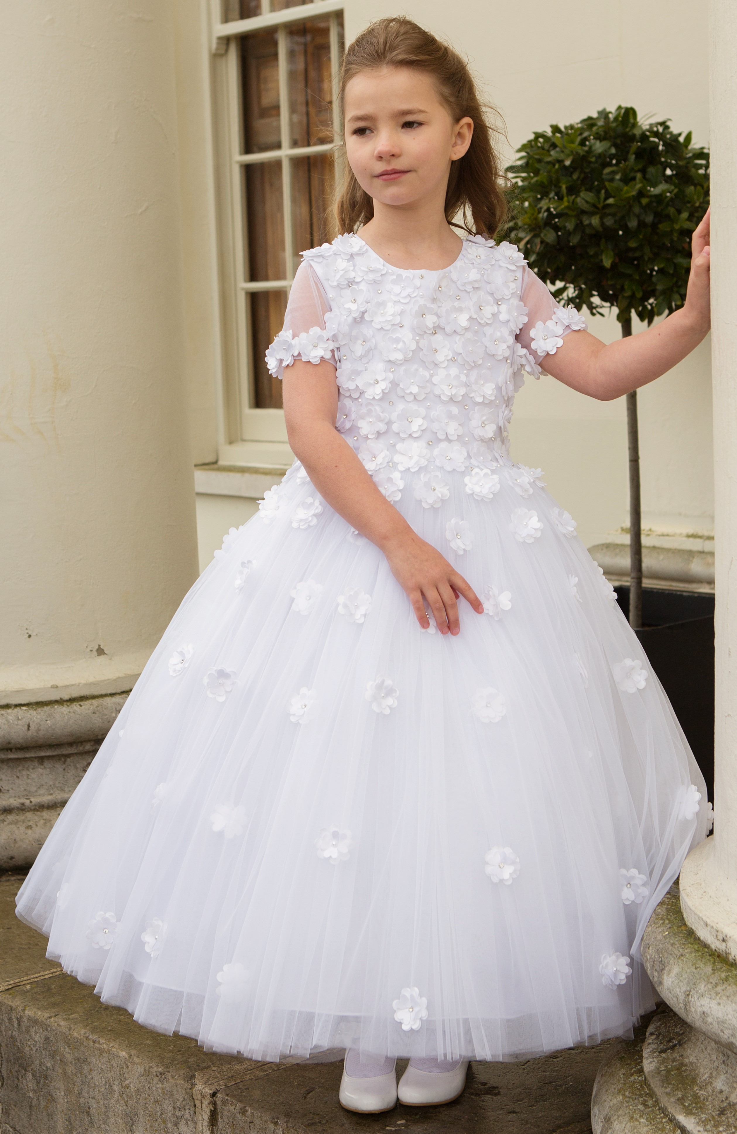Girls White Communion dress from Cerimonia by Peppermint ...